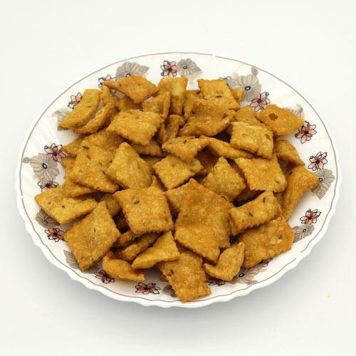 Salty Shankarpale/ खारे शंकरपाळे  (180 g)